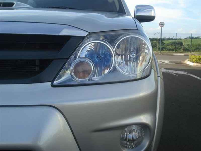 10798 - Hilux SW4 2006
