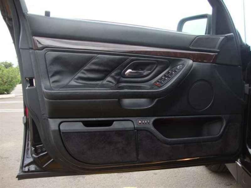 10863 - BMW 750i V12 1995