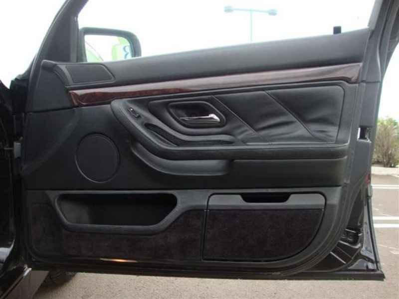 10864 - BMW 750i V12 1995