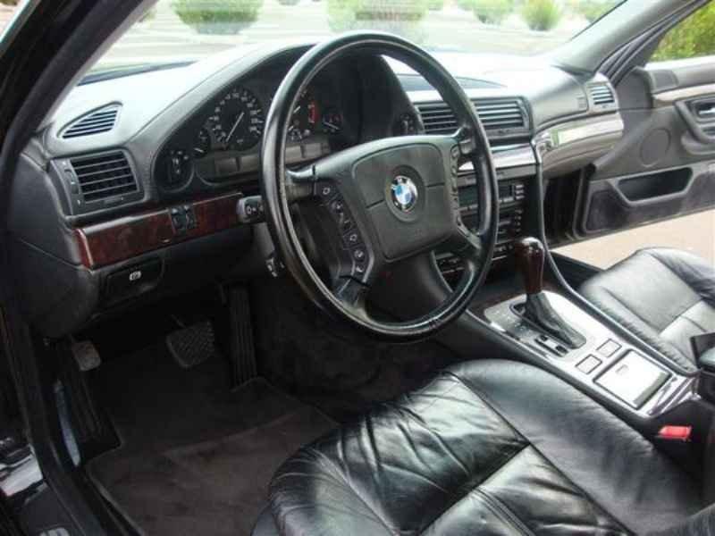 10868 - BMW 750i V12 1995