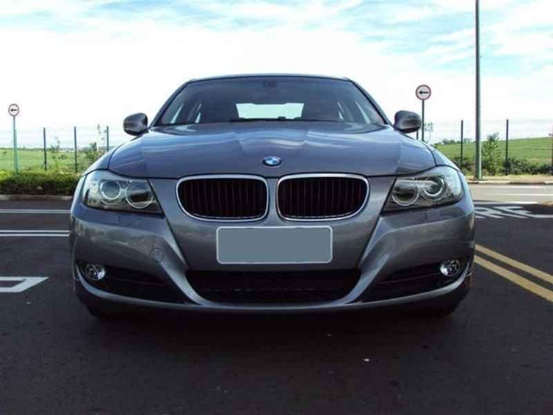 10893 - BMW 320 2009