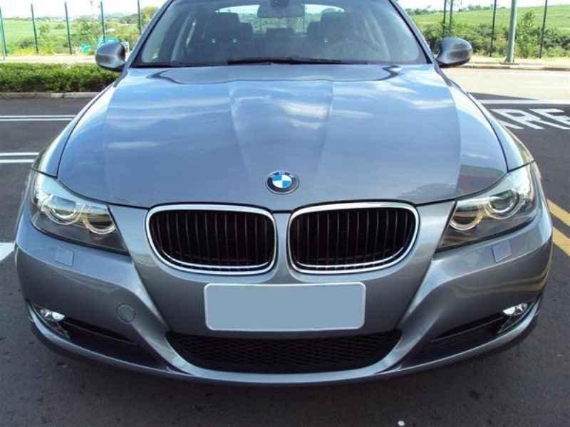 10894 - BMW 320 2009