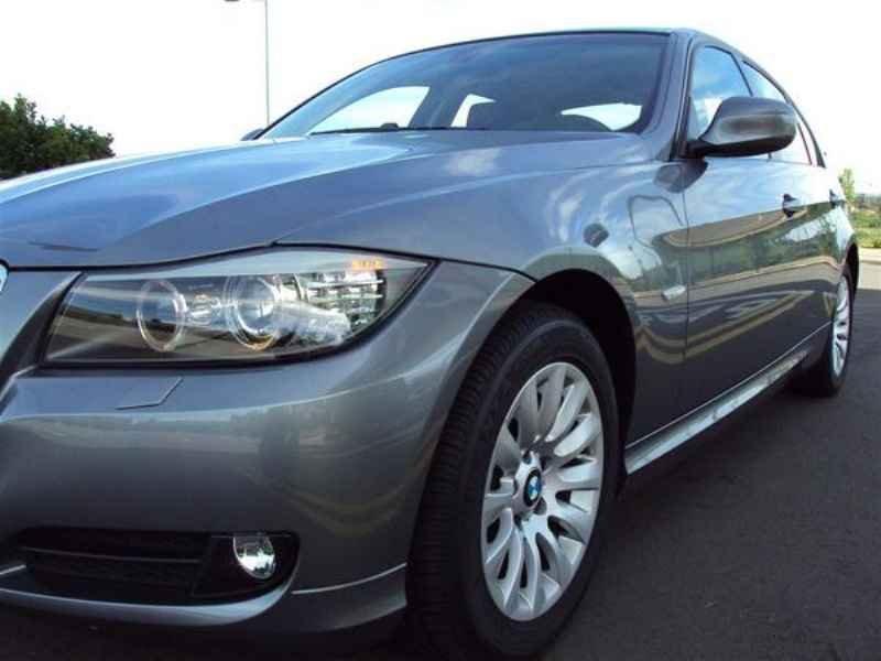 10899 - BMW 320 2009