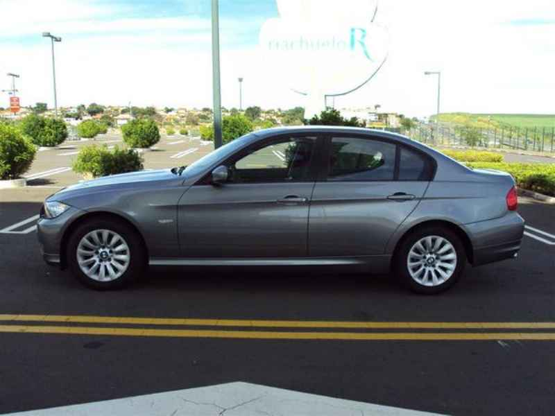 10903 - BMW 320 2009
