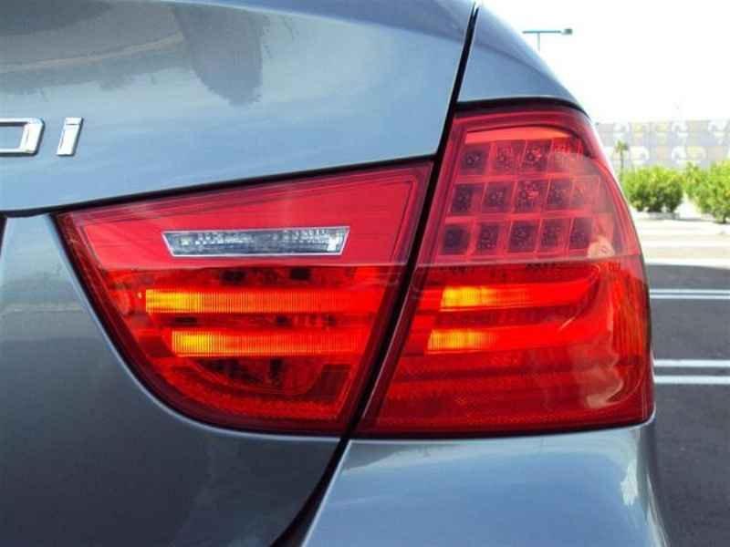 10907 - BMW 320 2009