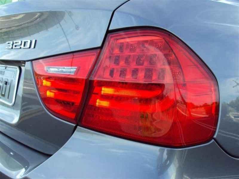 10909 - BMW 320 2009