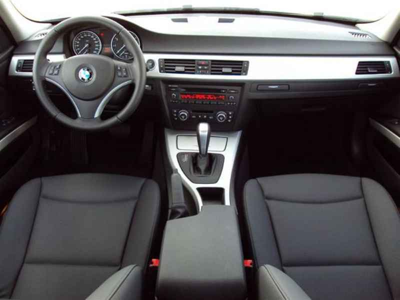 10919 - BMW 320 2009