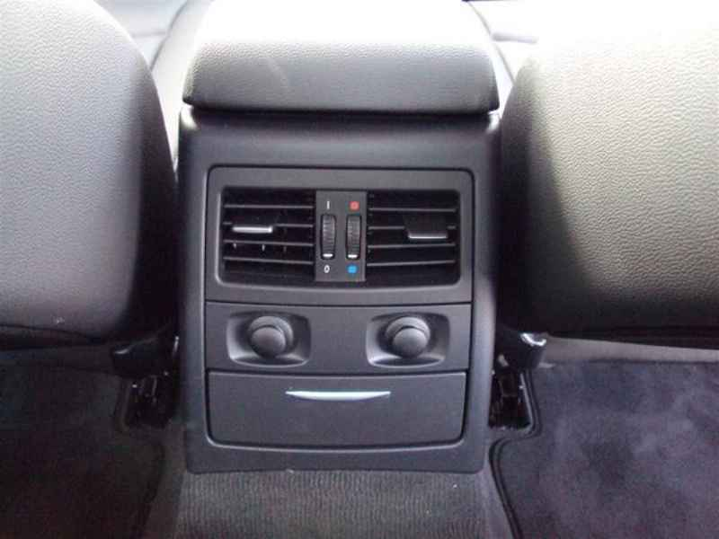 10925 - BMW 320 2009