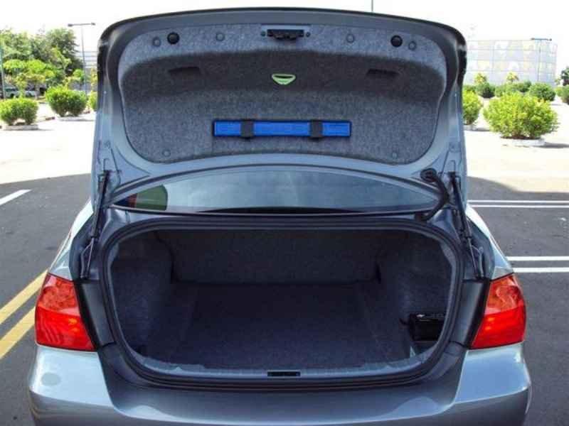 10936 - BMW 320 2009