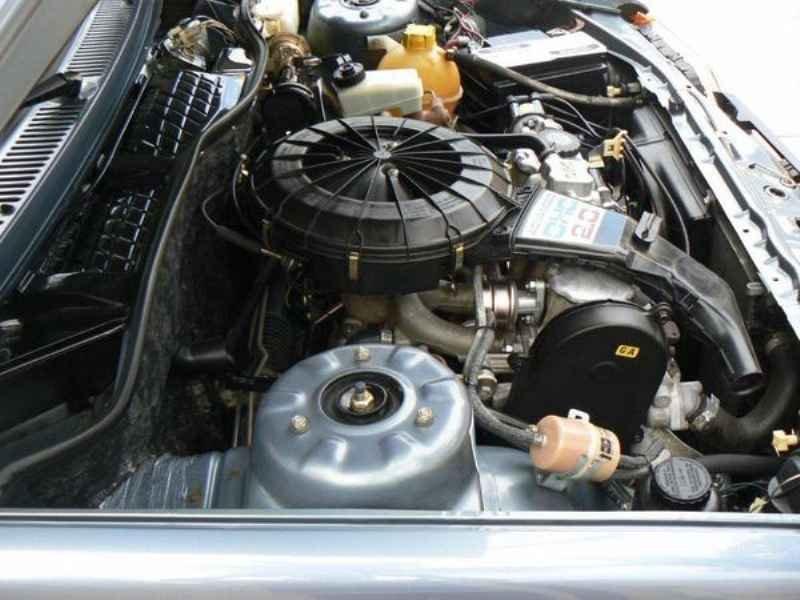 11047 - Monza SL/E 1989  9.000km