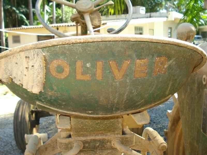1118 - Trator Oliver 1957 Sem Uso