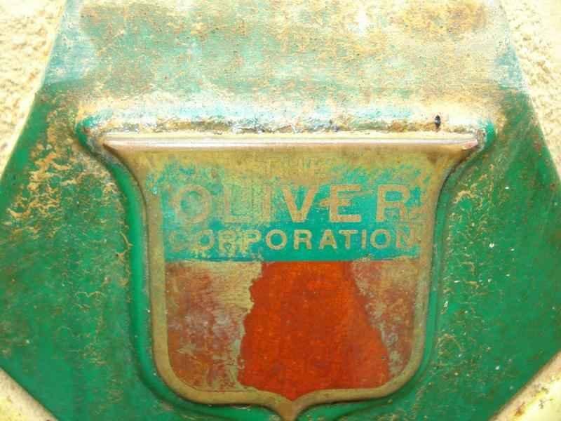 1121 - Trator Oliver 1957 Sem Uso
