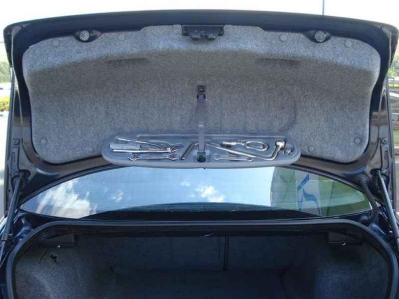 11815 - BMW 330i 2002
