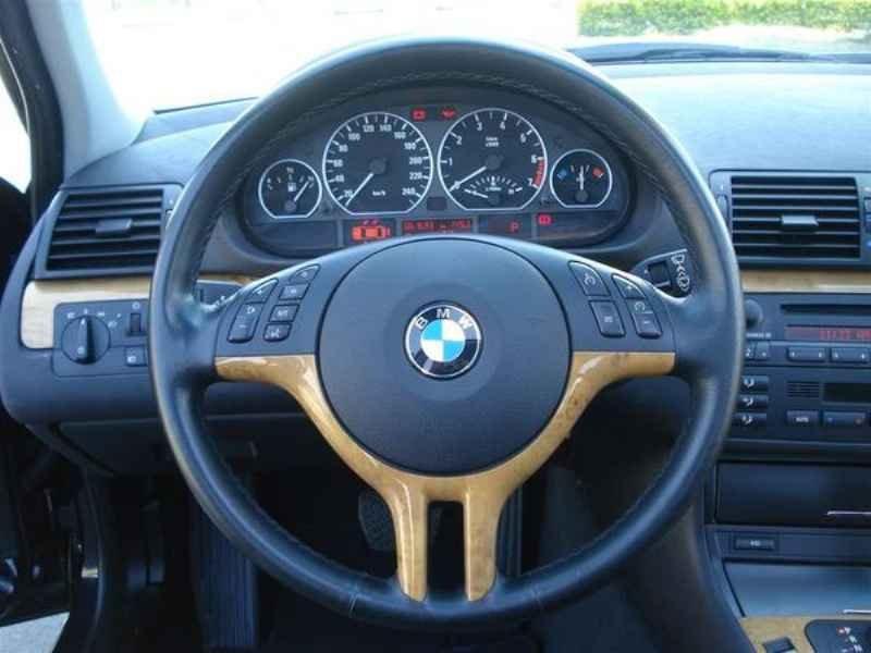 11818 - BMW 330i 2002