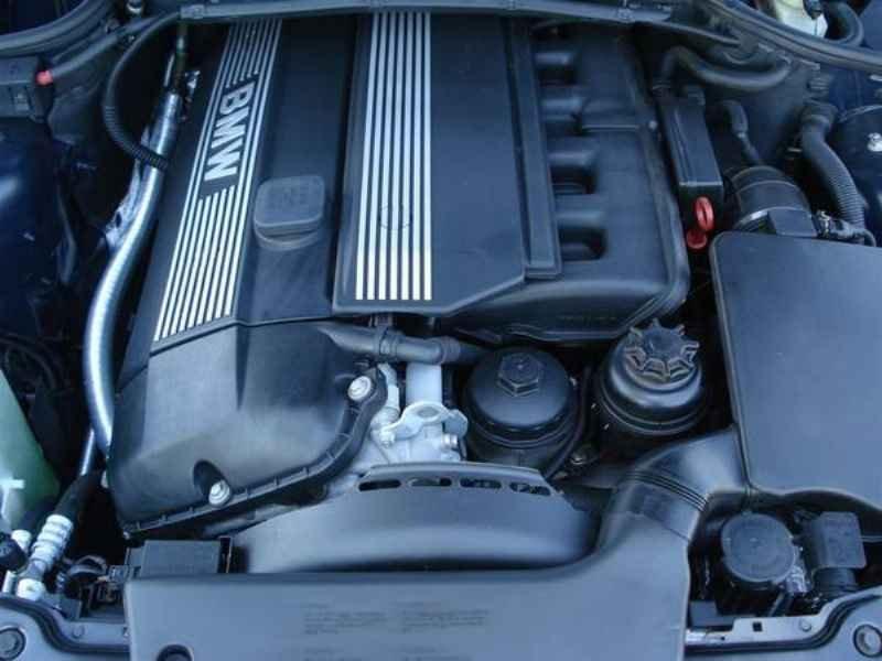 11827 1 - BMW 325ia 2002