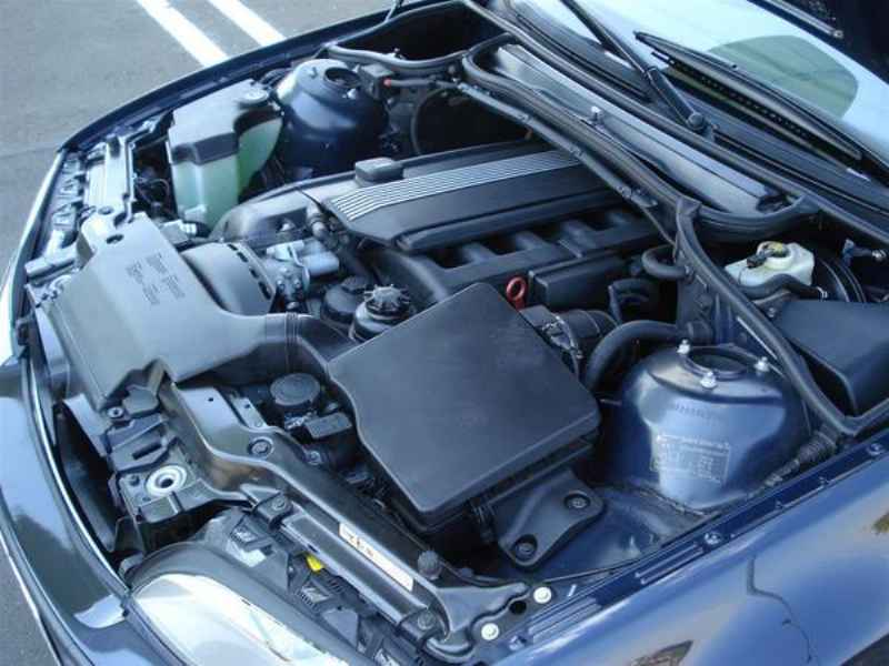 11829 1 - BMW 325ia 2002