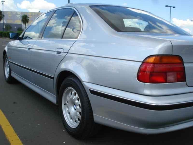 11843 - BMW 528i 1996