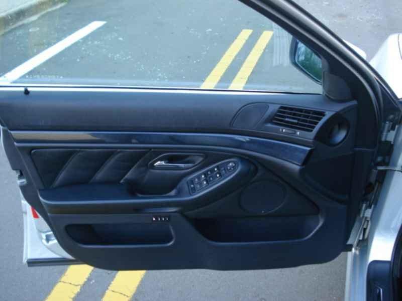 11854 - BMW 528i 1996