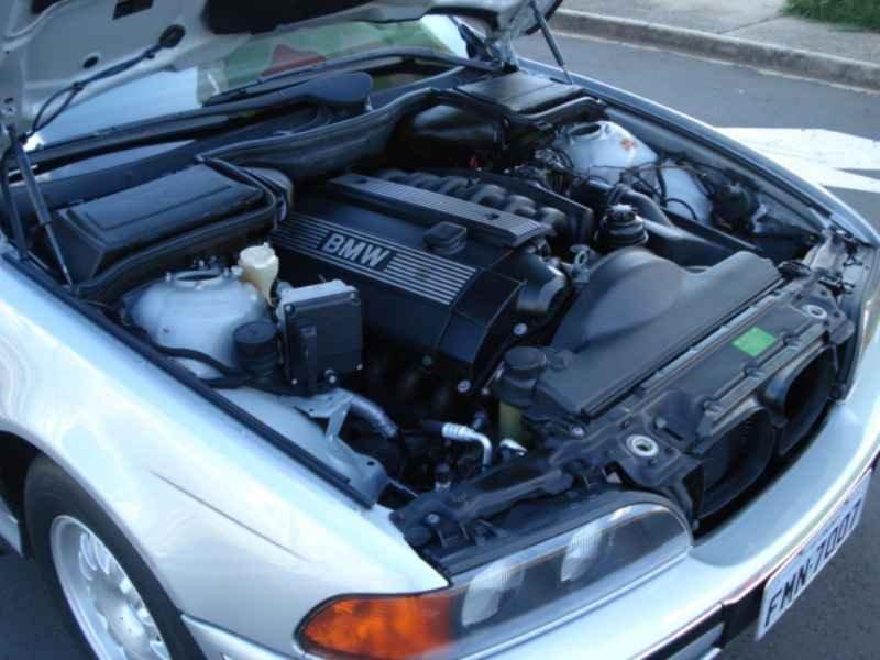 11863 - BMW 528i 1996