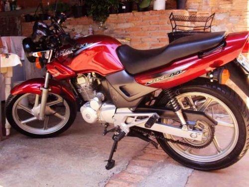 13180 500x375 - CBX 200 2002