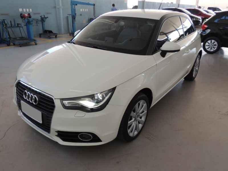 15481 - Audi A1 2011 9.900km