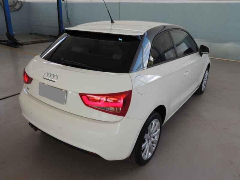 15483 - Audi A1 2011 9.900km