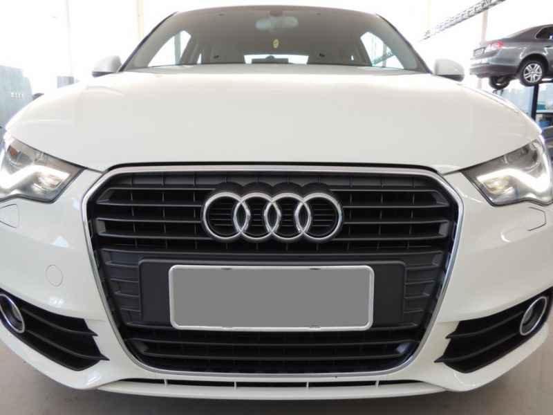 15486 - Audi A1 2011 9.900km