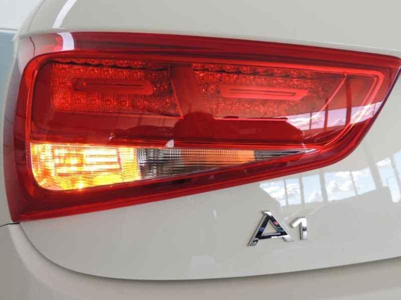 15494 - Audi A1 2011 9.900km