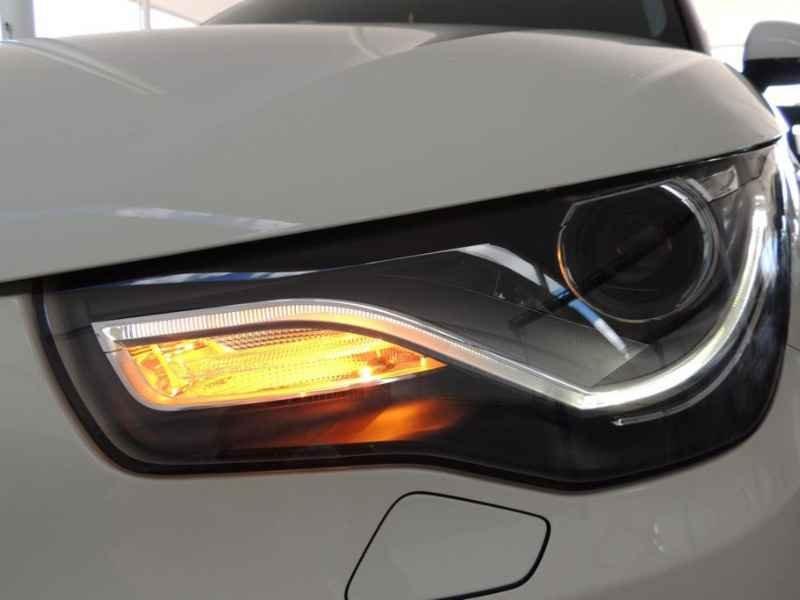 15496 - Audi A1 2011 9.900km