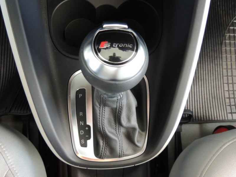 15529 - Audi A1 2011 9.900km