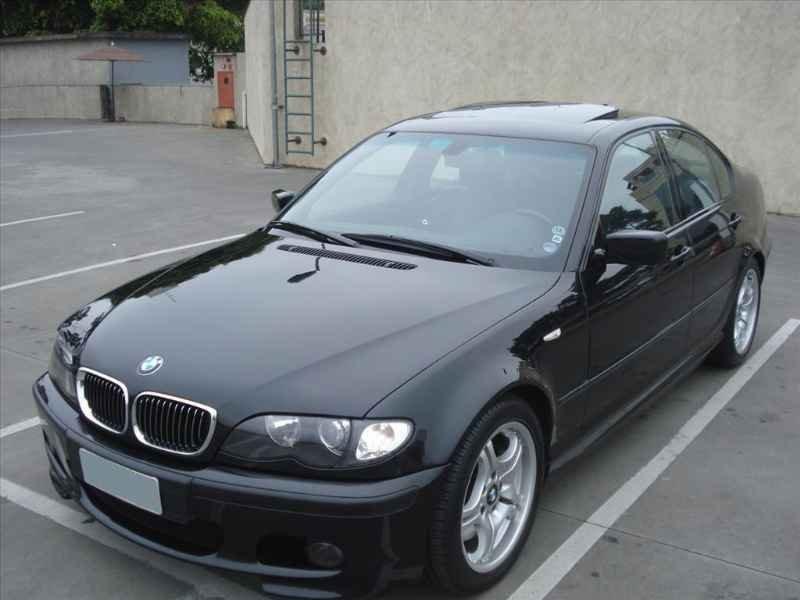 15728 - BMW 330i 6CC 2003