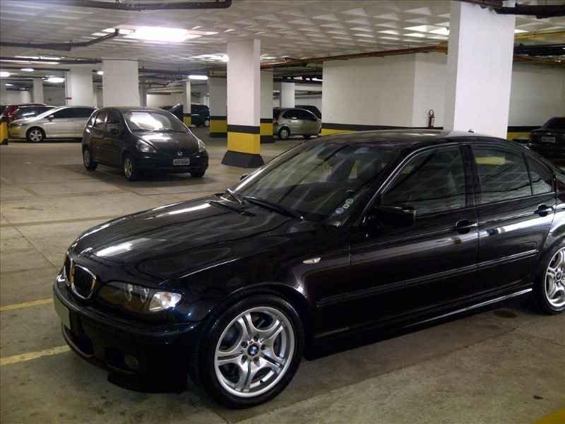 15733 - BMW 330i 6CC 2003