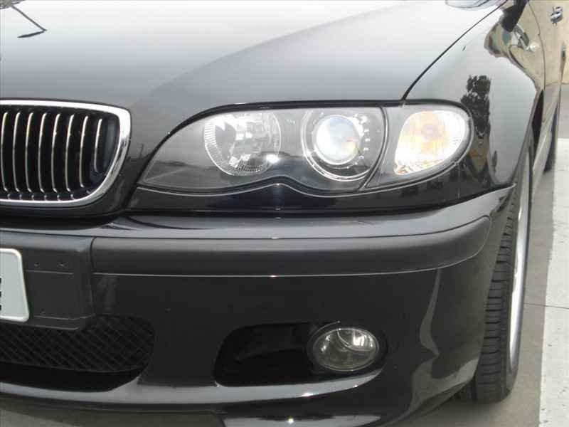 15736 - BMW 330i 6CC 2003
