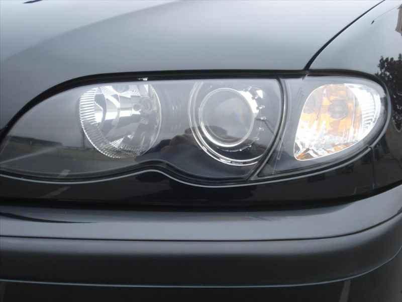 15739 - BMW 330i 6CC 2003