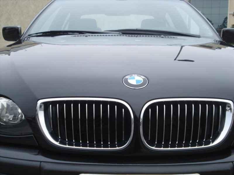 15740 - BMW 330i 6CC 2003