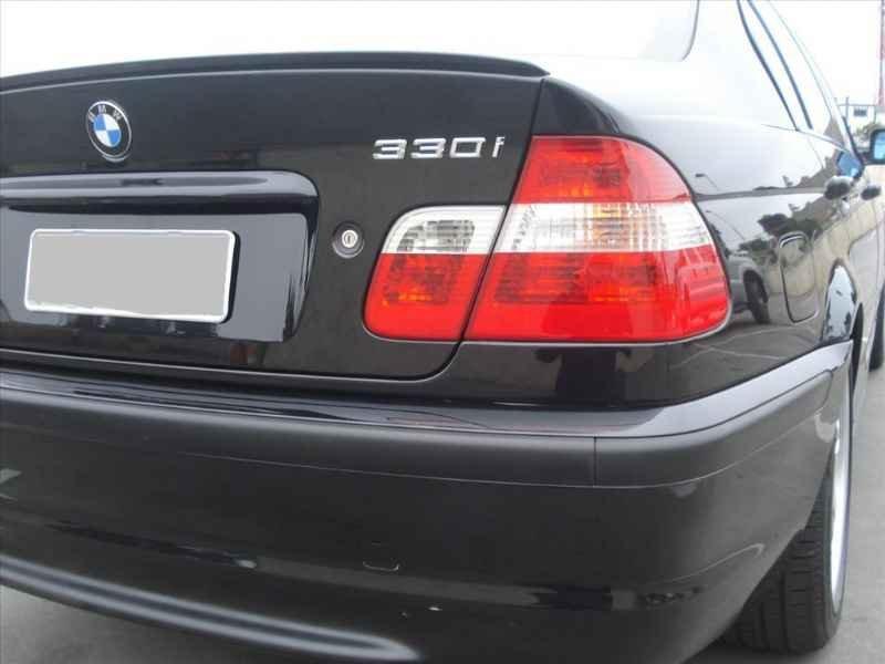 15744 - BMW 330i 6CC 2003