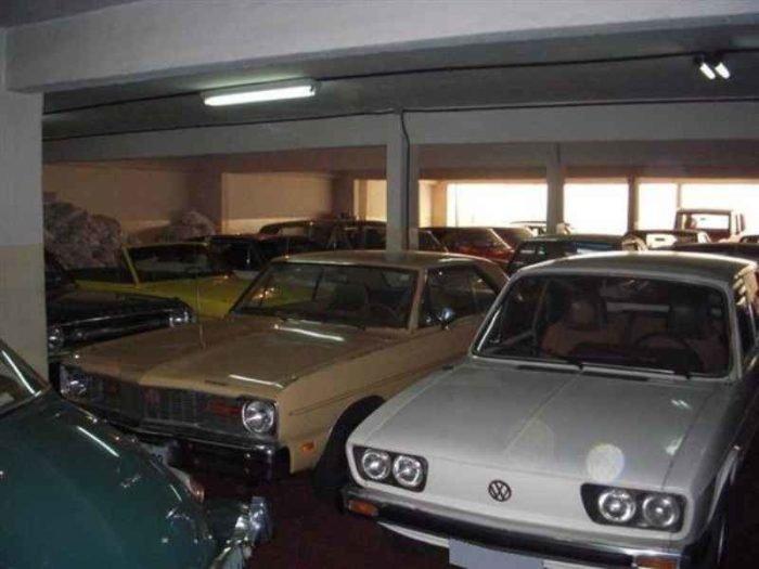 1575 1 700x525 - Garagem Maringá