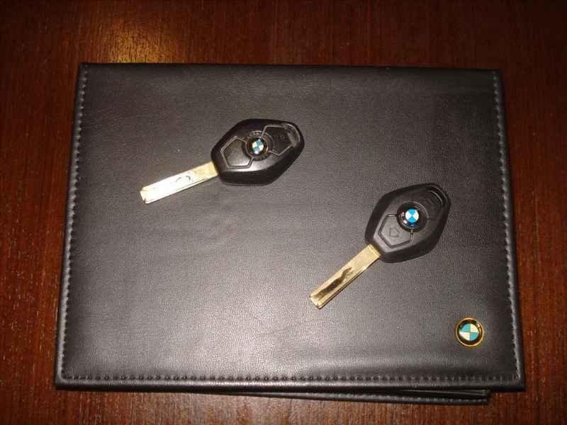 15762 - BMW 330i 6CC 2003