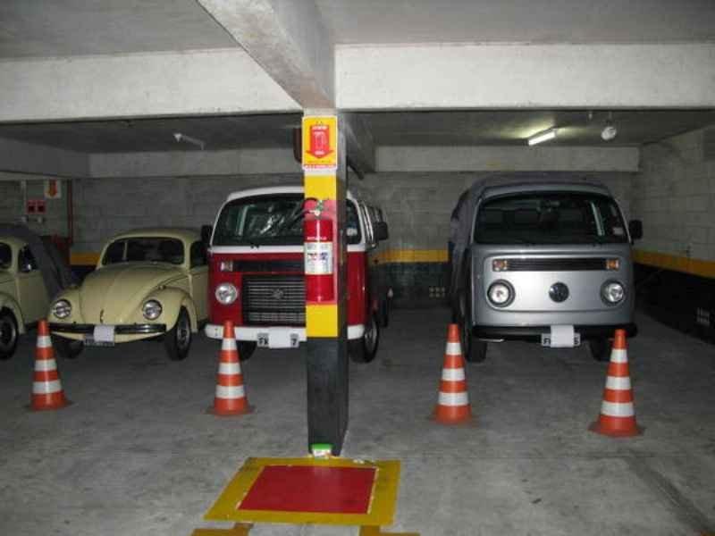 1604 - Garagem VW Fusca e Kombi