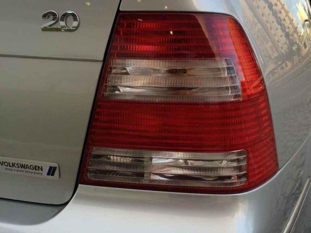 18498 - Bora GLS Automatico 2006
