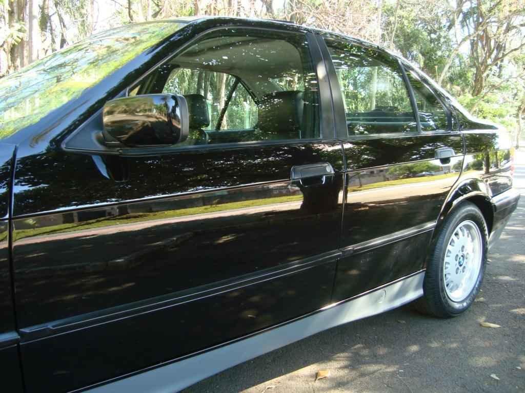 18899 - BMW 325i 1992 23.000 milhas