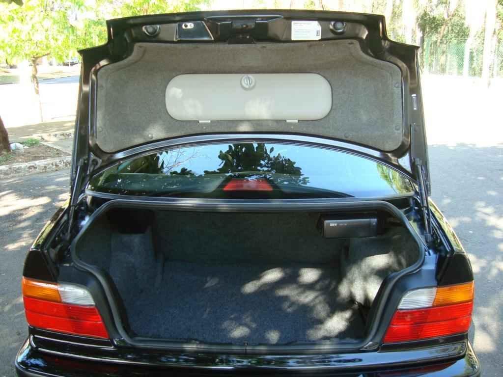 18928 - BMW 325i 1992 23.000 milhas