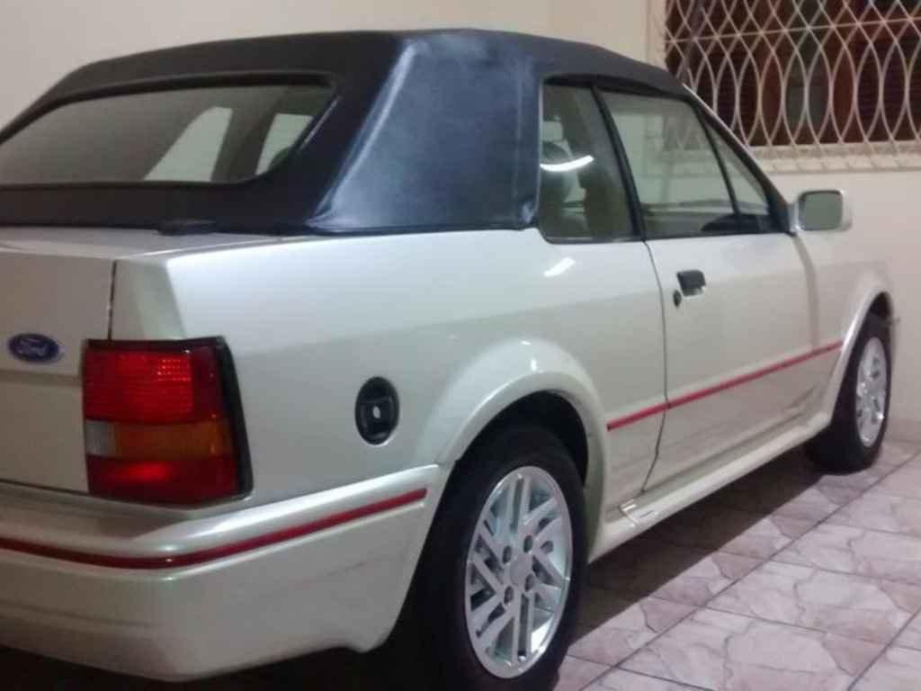 19126 - ESCORT XR3 1.8 1992