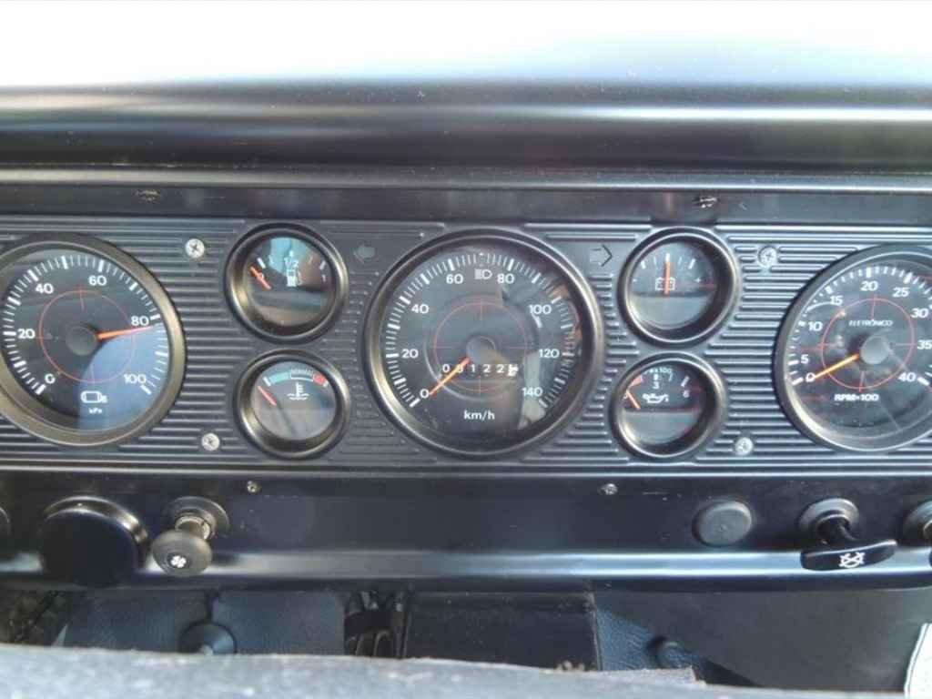 19590 - F-11000 1988 0km em 2013