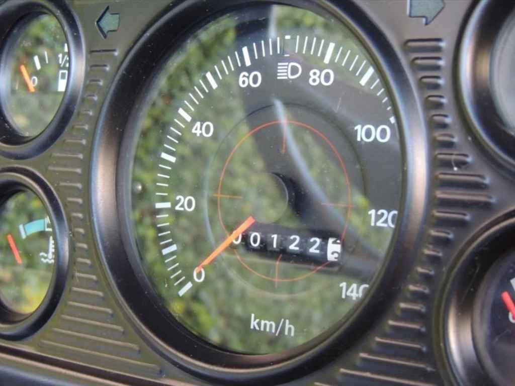 19602 - F-11000 1988 0km em 2013