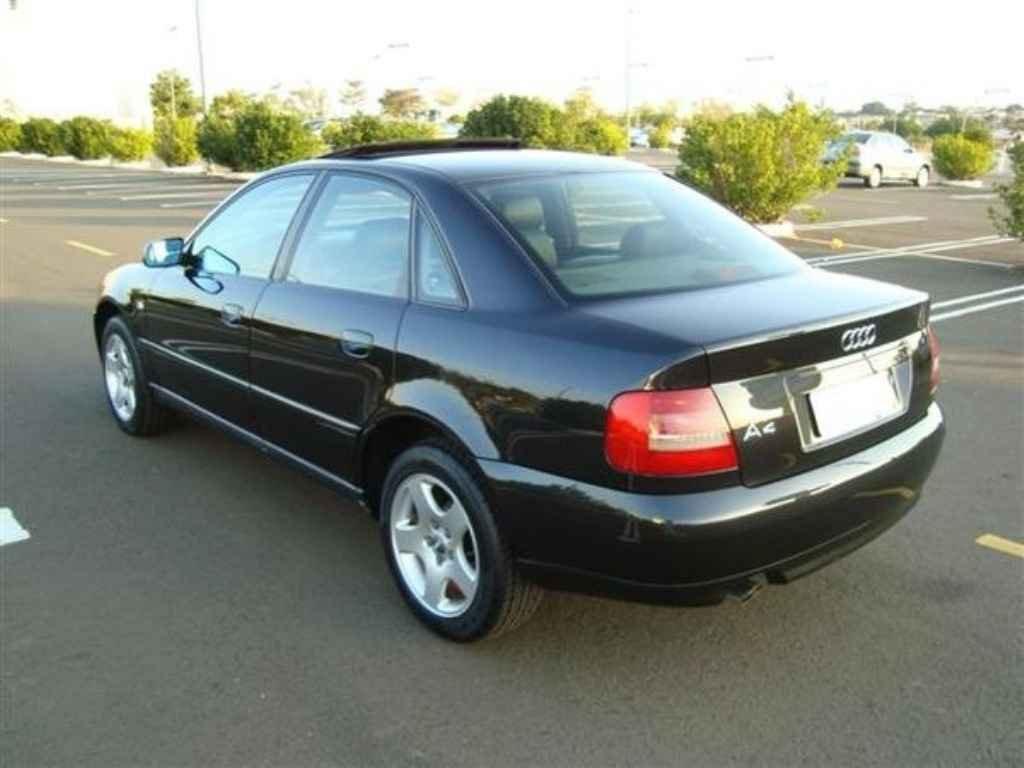 19850 2 - Audi A4 2.0 T 2011