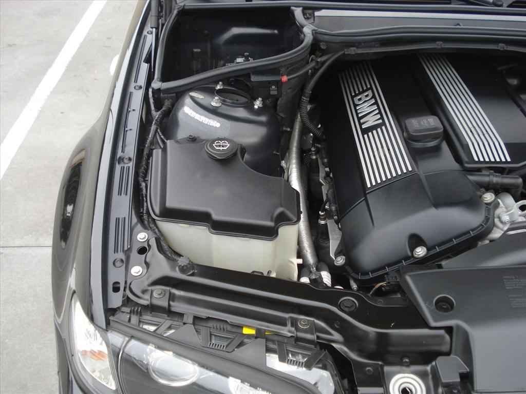 19952 1 - BMW 330i