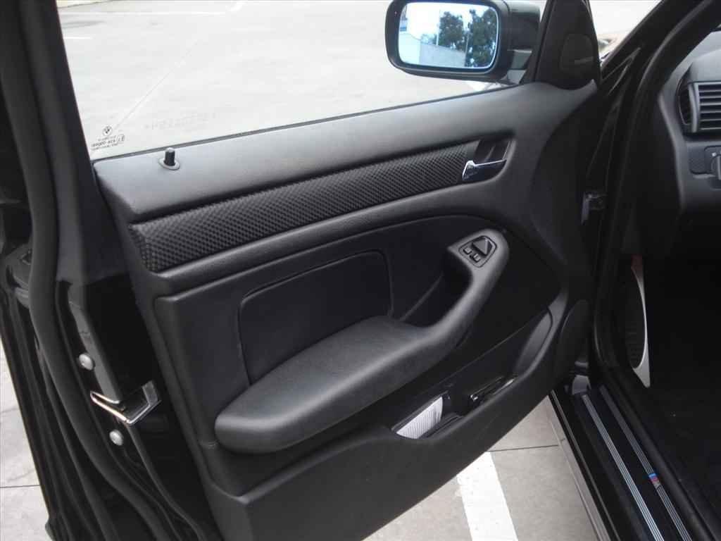 19960 1 - BMW 330i