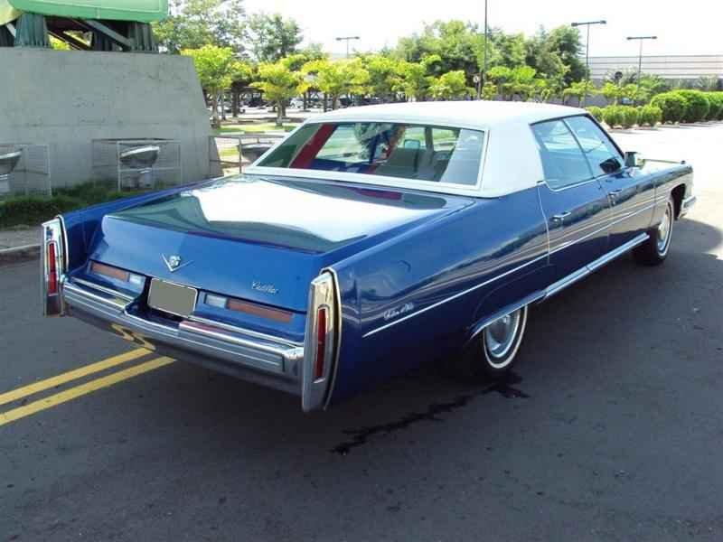 2001 1 - Cadillac de Ville 1974 V8 7.7L