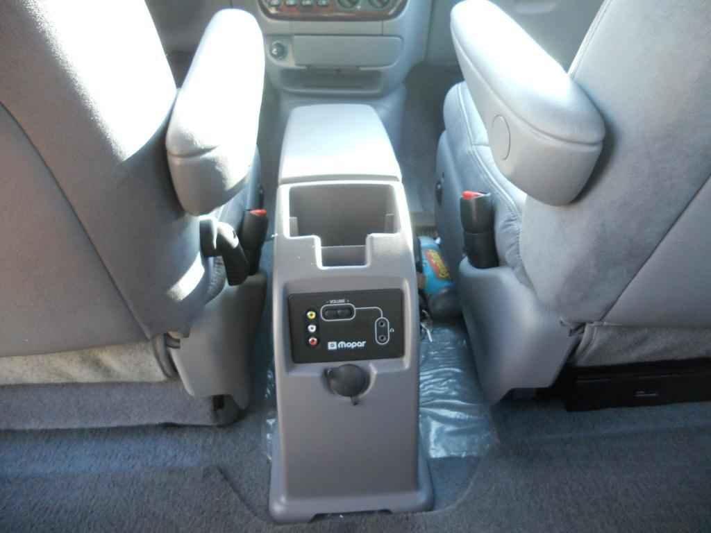 20015 1 - Chrysler Caravan LX 2000